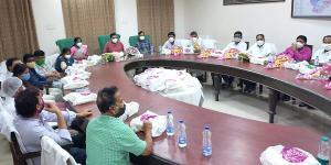 SafeValue must use [property]=binding: পূর্ব বর্ধমানের জেলা পরিষদে বিধায়কদের নিয়ে বৈঠক সারলেন স্বপন দেবনাথ (see http://g.co/ng/security#xss)