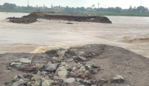 SafeValue must use [property]=binding: জলের তোড়ে ভেসে গেল অজয় নদীর উপর অস্থায়ী সেতু (see http://g.co/ng/security#xss)