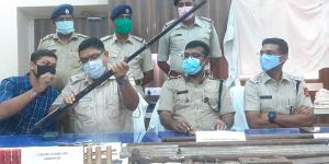SafeValue must use [property]=binding: কাটোয়ায় বড়সড় অস্ত্র কারখানার হদিশ (see http://g.co/ng/security#xss)